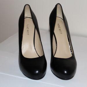 Nine West Size 8 Women Shoe